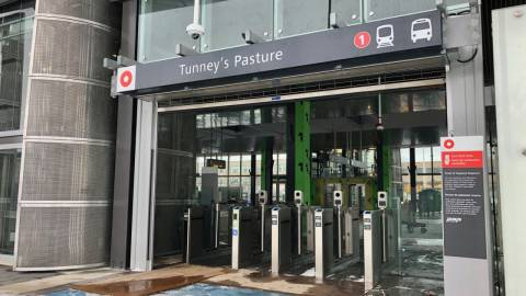 Snapshot of Tunney's Pasture Station - January 9, 2019