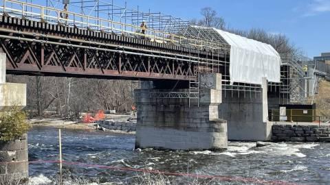 Snapshot of Rideau River Bridge - April 6, 2021