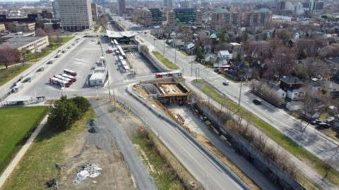 Snapshot of Tunney's Pasture Station - April 11, 2021