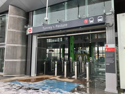 Snapshot of Tunney's Pasture Station - January 9, 2019