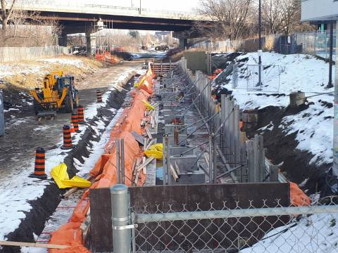 Snapshot of Mooney's Bay Station - November 28, 2020