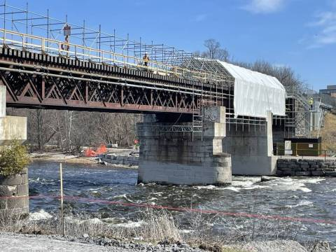 Snapshot of Rideau River Bridge - April 6, 2021